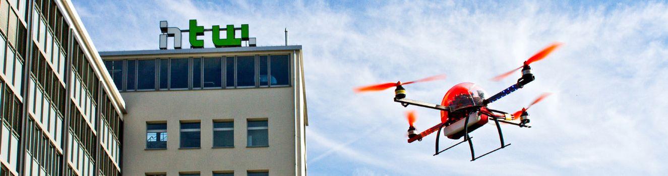Quadrocopter auf dem Campus Wilhelminenhof